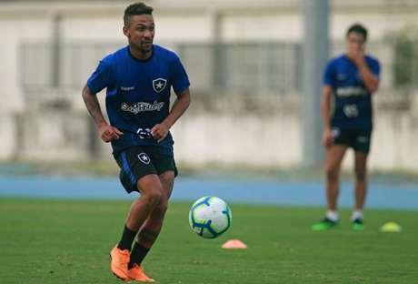 Biro Biro não foi inscrito a tempo no torneio continental (Foto: Vítor Silva/Botafogo)