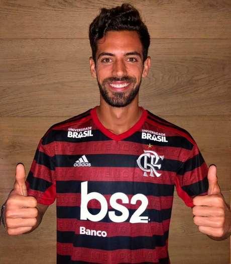 Pablo Marí foi anunciado pelo Flamengo nesta quinta-feira (Foto: Divulgação/ Flamengo)