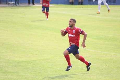 O lateral-esquerdo Diego Soares é um dos destaques do Gonçalense. (Foto: Vanderlei Junior/CTC Assessoria)