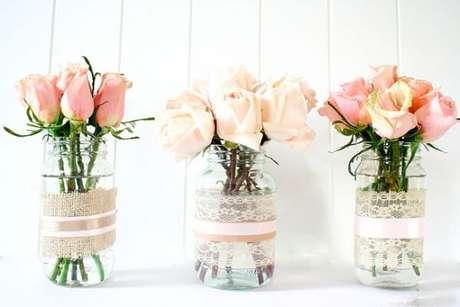 2.Decoração em vidro com juta, renda e laços de fita. Fonte: Pinterest