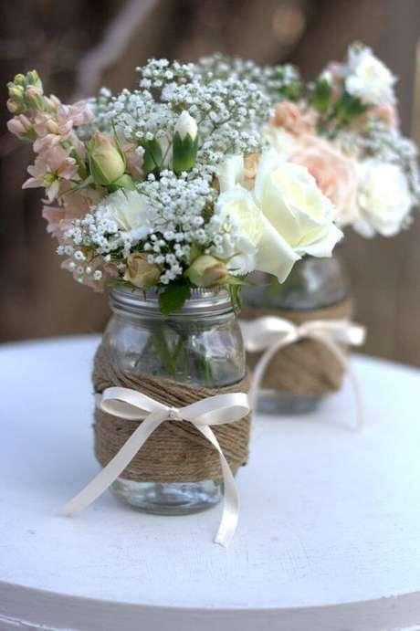 28. Potes de vidros decorados com juta. Fonte: Pinterest