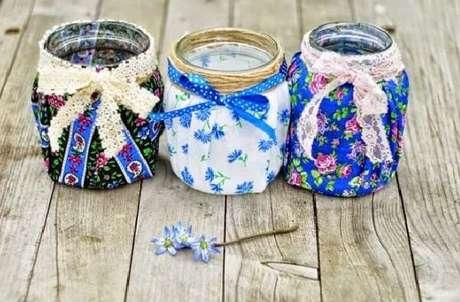 5. Potes de vidros decorados com estampas diversas. Fonte: Pinterest