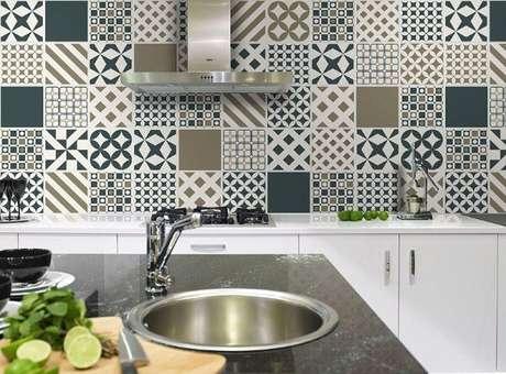 83. Revestimento para cozinha com estilo patchwork. Fonte: Emme Due
