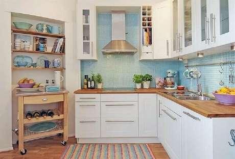 64- Revestimento para cozinha com pastilhas pequenas na cor azul. Fonte: ConstruindoDecor