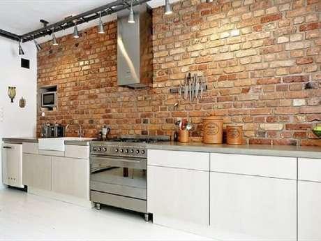 80- Revestimento para cozinha em estilo rústico. Fonte: Construindo Minha Casa Clean