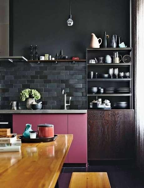 40. Lindo e moderno modelo de revestimento para cozinha.