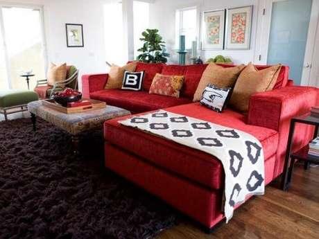 59. Sofá vermelho para decorações modernas e diferentes – Por: Cultura Mix