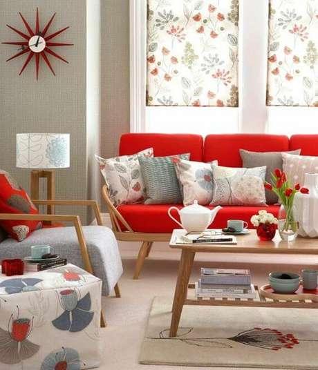 63. Sofá vermelho para sala clean e alegre – Por: Decoration On Top