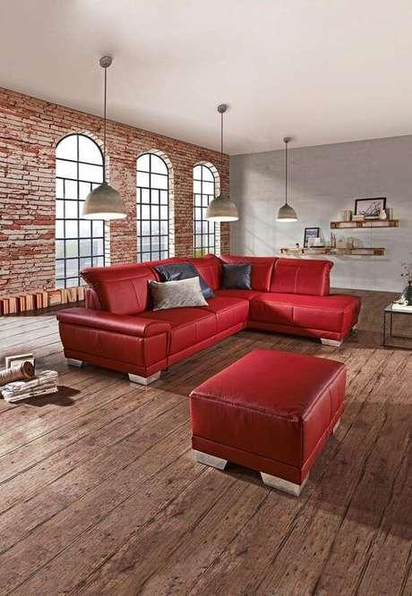 66. Sofá vermelho para sala de estar – Por: Pinterest