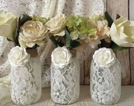42. Vidros decorados com renda. Fonte: Etsy
