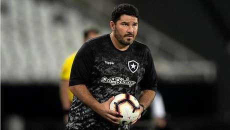 Eduardo Barroca, técnico do Botafogo.