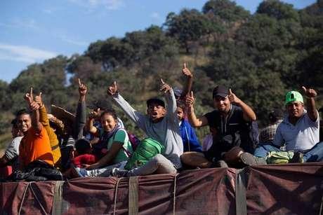 Caravana de imigrantes segue viagem para os Estados Unidos, em novembro de 2018