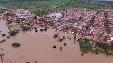Vista aérea de Coronel João Sá, uma das cidades afetadas por queda de barragem