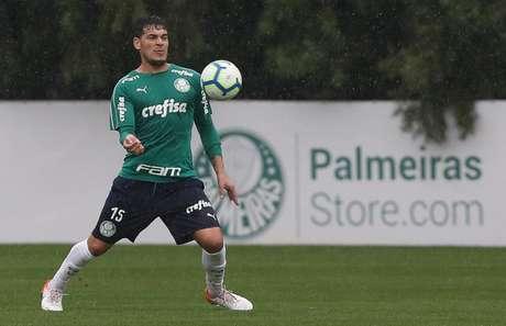 Gustavo Gómez renovou contrato com o Palmeiras (Foto: Agência Palmeiras/Divulgação)