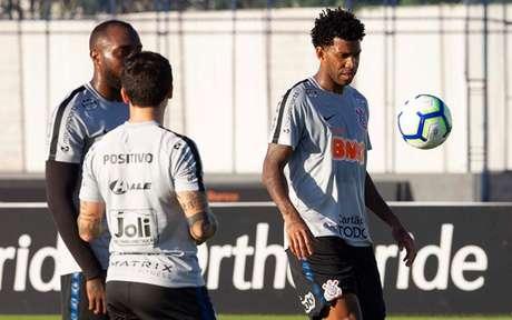 Gil vestirá a camisa 26 do Corinthians (Foto: Daniel Augusto Jr/Ag. Corinthians)