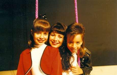 Sandy e Junior com a mãe Noeli em 1994