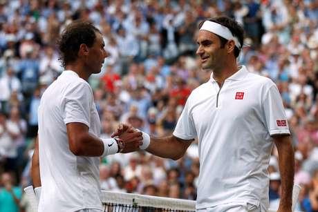 Federer bateu Nadal no 40º confronto entre eles; vitória deu vaga na final de Wimbledon