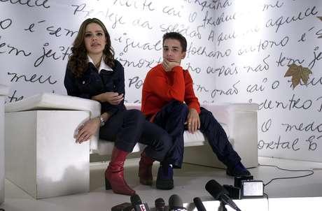 A dupla Sandy & Júnior é vista durante coletiva de imprensa após ensaio na casa de Show Olympia, na zona sul da capital paulista, onde se apresenta.