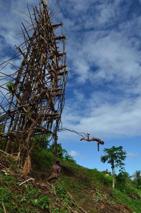 O bungy jump original, em Vanuatu. Vai encarar?