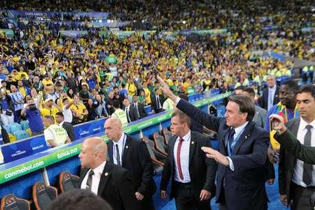 Bolsonaro foi uma das autoridades presentes na partida decisiva no Maracanã