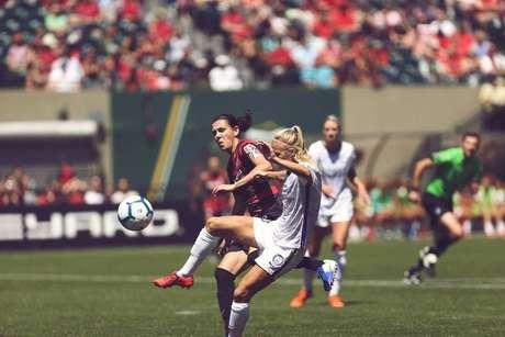 Marta faz golaço e marca pela 4ª vez em 3 jogos, mas perde na liga dos EUA.