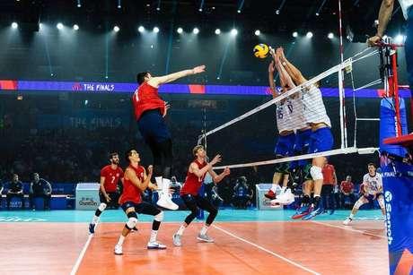 Seleção masculina de vôlei da Rússia bate os EUA e leva o bi da Liga das Nações.