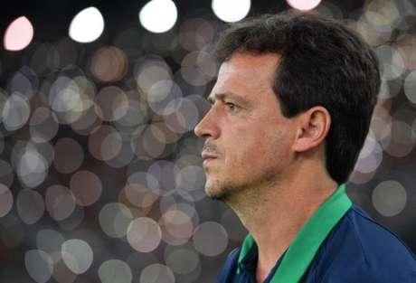 Diniz não escondeu o time que vai enfrentar o Ceará (Foto: CARL DE SOUZA / AFP)