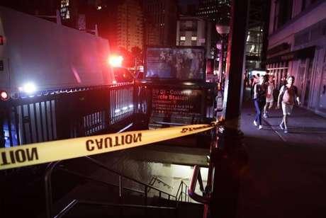 Estação de metrô fechada após blecaute em Nova York
