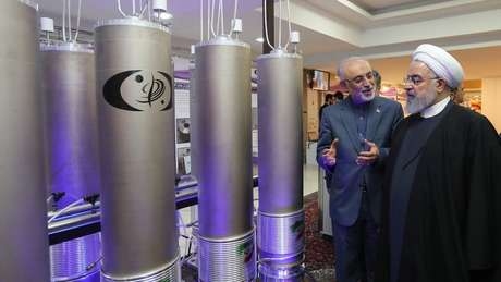O presidente do Irã, Hassan Rouhani, diz que o país está retaliando as sanções econômicas impostas pelos Estados Unidos