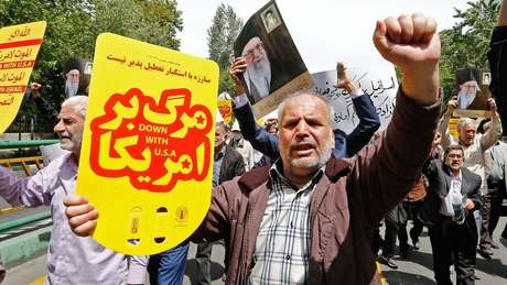 A decisão de Donald Trump de acabar com as isenções de sanções para os importadores de petróleo iranianos provocou protestos