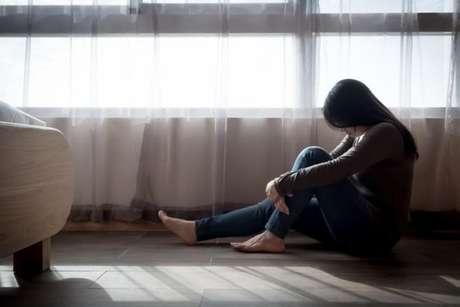 Saiba como ajudar alguém que pensa em suicídio