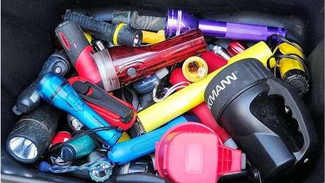 A polícia encontrou as lanternas que o eremita usou durante o período que viveu na floresta
