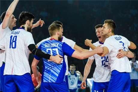Comemoração da Rússia na Liga das Nações (FIVB Divulgação)