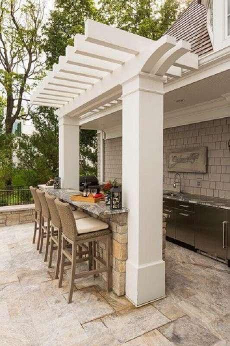 31. Decoração clean para espaço gourmet externo – Foto: SouthView Design