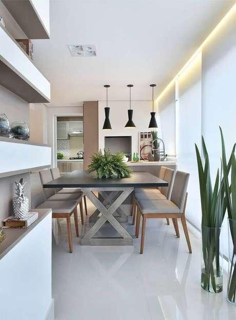 43. Espaço gourmet moderno decorado em tons de cinza com pendentes pretos – Foto; Tetriz Arquitetura e Interiores