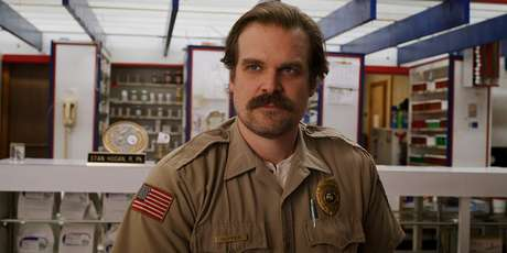 David Harbour em 'Stranger Things' (2016)