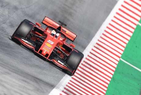 """Brundle acha que Vettel """"perdeu o julgamento e as reações"""" nas corridas"""