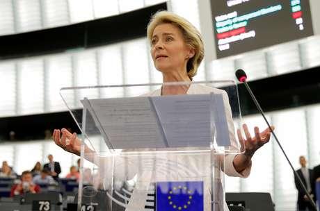 Ursula von der Leyen discursa no Parlamento Europeu após ser eleita presidente da Comissão Europeia 16/07/2019 REUTERS/Vincent Kessler