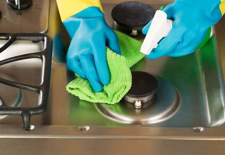 Veja como limpar boca do fogão queimada e deixe seu eletrodoméstico novinho em folha