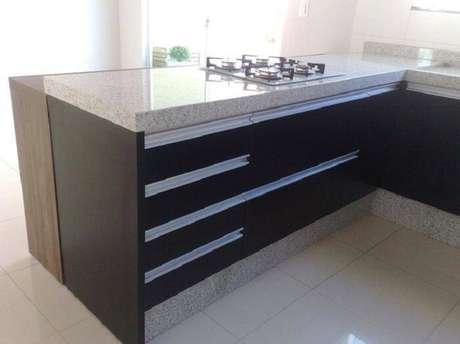 54. Ele é perfeito para detalhes dos móveis também. Projeto por Elizangela Oliveira
