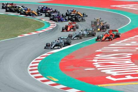 Fórmula 1 estuda redução de assistências, padronização de componentes e mudanças no formato do fim de semana para 2021