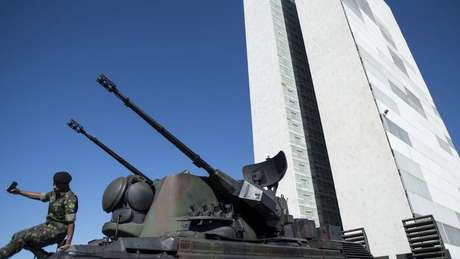 """Tornar-se aliado extra-Otan é parte de """"processo de o Brasil ter um aparato de defesa compatível com as nossas necessidades"""", diz Ernesto"""