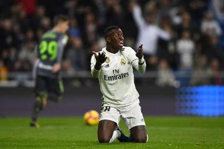 Vinicius disputou vários jogos em 2018/2019 (Foto: AFP)