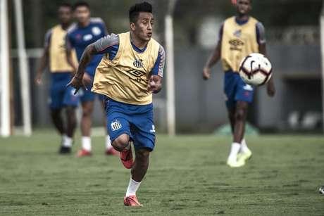 Cueva se reapresentou no Santos na manhã desta quarta-feira, no CT Rei Pelé (Ivan Storti/Santos FC)