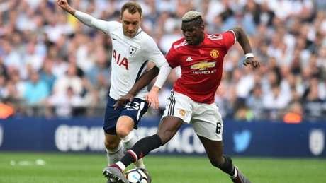 Eriksen e Pogba durante um Tottenham e United (Foto: AFP)