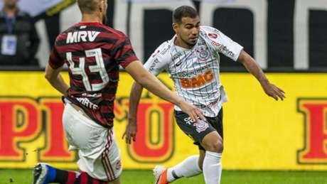 Sornoza será titular no meio de campo do Corinthians contra o Flamengo, no domingo (Richard Callis/Fotoarena)