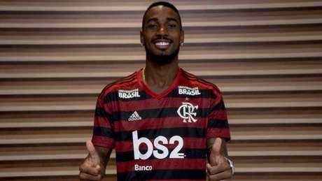 Gerson já tem treinado com o elenco do Flamengo desde a última segunda (Foto: Marcelo Cortes / Flamengo)
