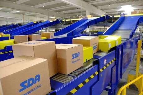 Correio italiano inaugura hub de logística para e-commerce