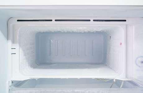 Veja como descongelar o freezer com o passo a passo preparado pelo TudoGostoso