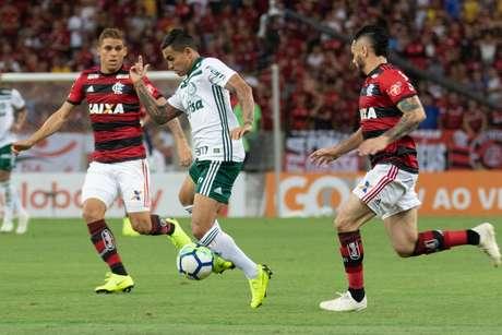 Dudu, do Palmeiras, durante partida contra o Flamengo, válida pela trigésima primeira rodada do Campeonato Brasileiro 2018